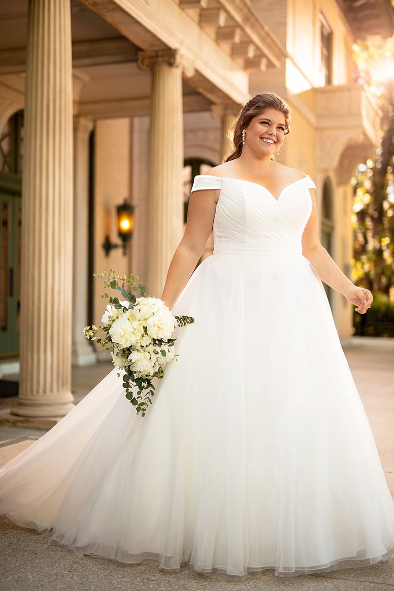 Everybody Everybride - Essence of Australia Plus Size Collection Trunk Show